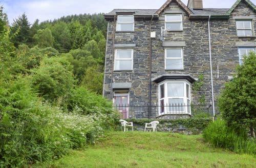 Last Minute Cottages - Wonderful Corris Apartment S76836