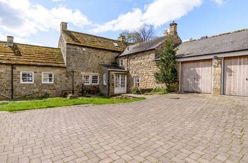 Last Minute Cottages - East Farm House
