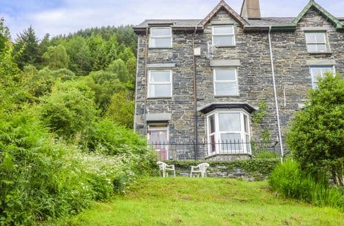 Last Minute Cottages - Is Y Graig