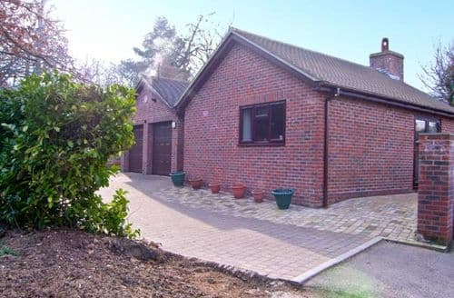 Last Minute Cottages - Charming Warminster Oaks S3788