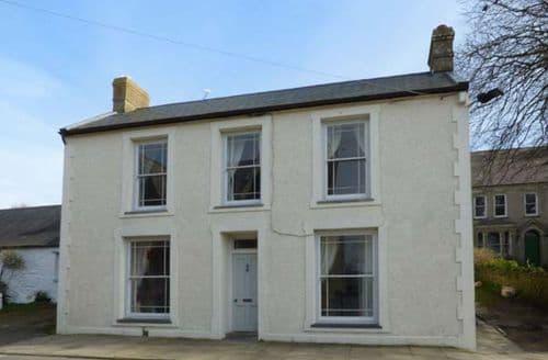 Last Minute Cottages - Superb St. David's Apartment S78451