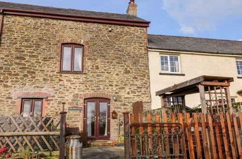 Last Minute Cottages - Gorgeous Thorndon Cross Cottage S78912