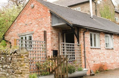 Last Minute Cottages - Exquisite Woolston Cottage S79581