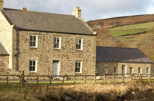 Last Minute Cottages - The Old Miners Hall