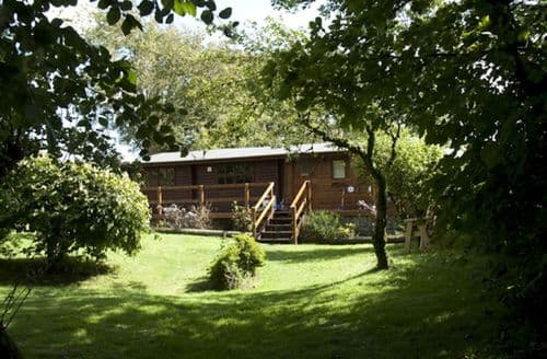 Last Minute Cottages - The Log Cabin