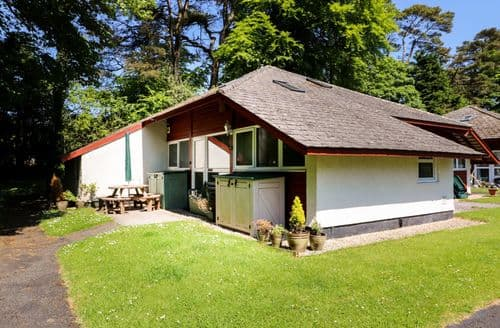Last Minute Cottages - Trelessy Lodge