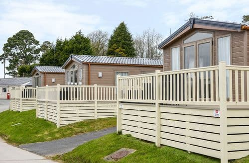 Last Minute Cottages - Inviting Cornwall Lodge S81853