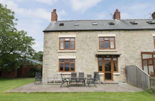 Last Minute Cottages - Superb Thornton Dale Cottage S83313