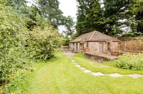 Last Minute Cottages - Inviting  Cottage S83670