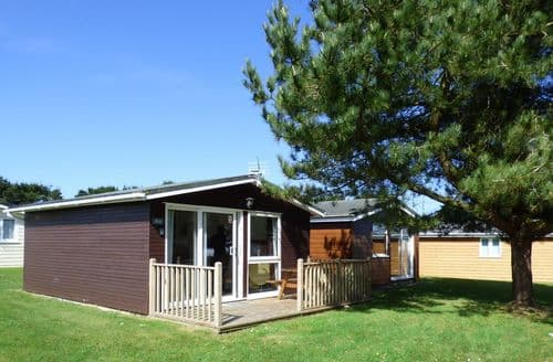 Last Minute Cottages - Chalet 184