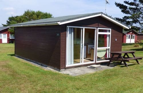 Last Minute Cottages - Delightful Cornwall Lodge S83037
