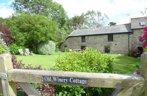 Last Minute Cottages - Old Winery Cottage