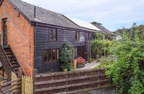 Last Minute Cottages - Captivating  Cottage S69953
