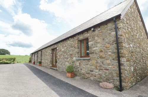 Last Minute Cottages - Ysgubor Hir