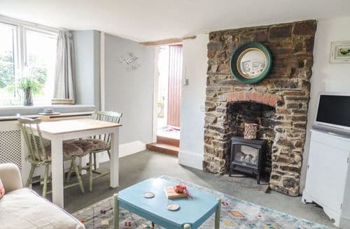 Last Minute Cottages - Langdon Farmhouse Cottage