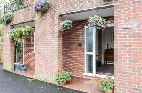 Last Minute Cottages - Stunning Oswestry Apartment S86297
