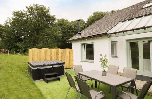 Last Minute Cottages - Yew