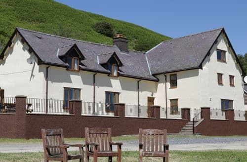 Last Minute Cottages - Exquisite Knighton Cottage S12571