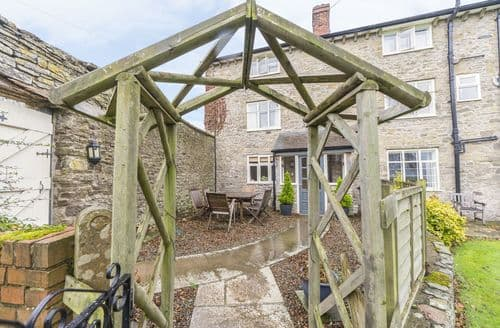 Last Minute Cottages - Rowton Manor Cottage