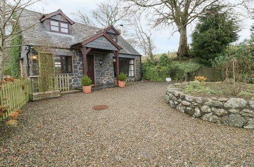 Last Minute Cottages - Cyffdy Cottage - Aran