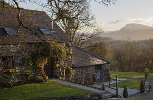 Last Minute Cottages - Cyffdy Cottage - Tegid
