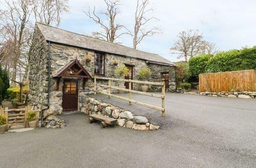 Last Minute Cottages - Cyffdy Cottage - Arenig