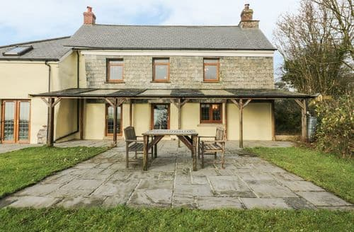 Last Minute Cottages - Lower West Curry Farmhouse