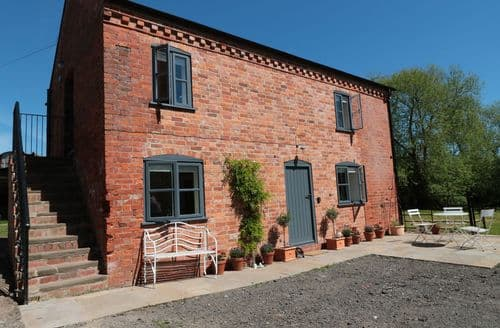 Last Minute Cottages - Granary 2