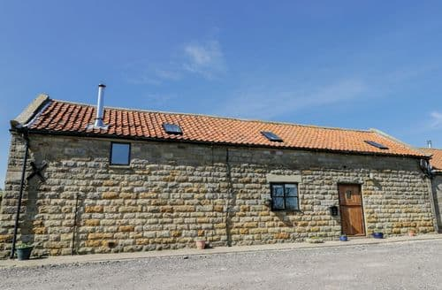 Last Minute Cottages - Hayloft