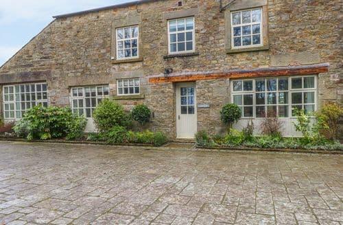 Last Minute Cottages - Lovely Dolphinholme Cottage S98209