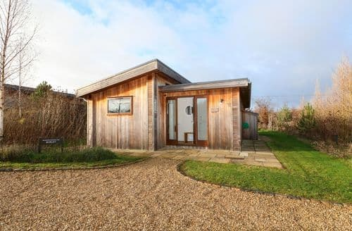 Last Minute Cottages - Attractive Oakham Cottage S100780