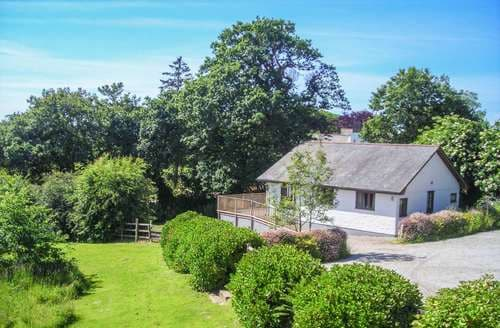 Last Minute Cottages - Charming Mawnan Smith Cottage S104337