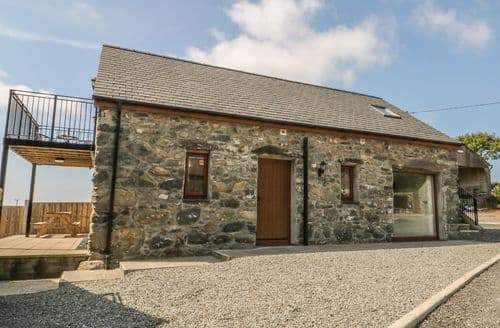 Last Minute Cottages - Gorgeous Bodedern Cottage S114318
