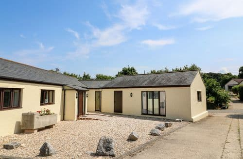 Last Minute Cottages - Court House Dairy