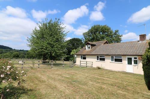 Last Minute Cottages - Court House Farmhouse