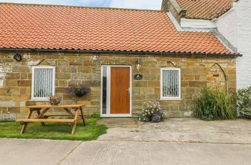 Last Minute Cottages - Superb Low Hawsker Cottage S121120