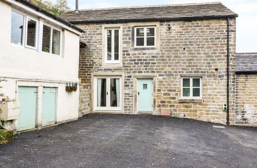 Big Cottages - Charming Honley Cottage S122481