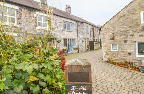 Last Minute Cottages - Adorable Castleton, Peak District Cottage S126791