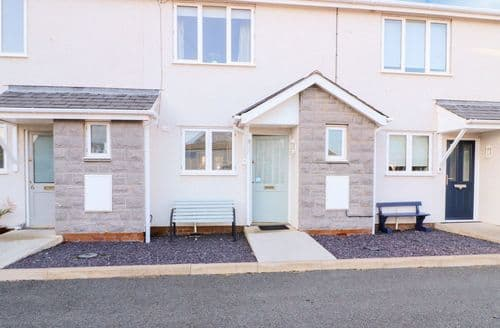 Last Minute Cottages - Inviting Moelfre Cottage S127070