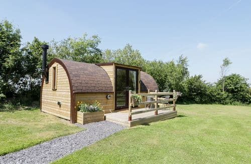 Last Minute Cottages - Cosy  Cottage S105140