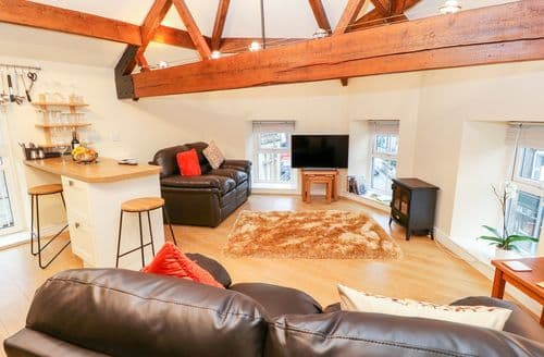 Last Minute Cottages - The Loft Apartment