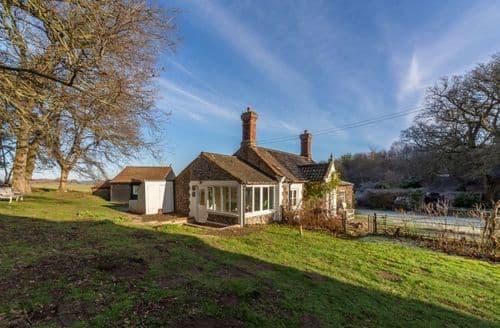 Last Minute Cottages - Exquisite Holt Cottage S134406