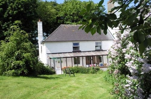 Last Minute Cottages - Hafod Villa S134498
