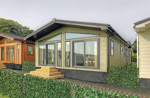 Last Minute Cottages - Lovely Bassenthwaite Lodge S134585