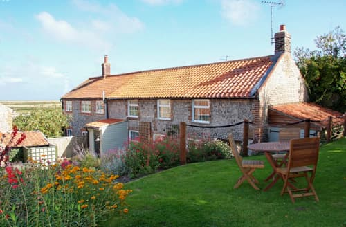 Last Minute Cottages - Inviting Cley Cottage S134884