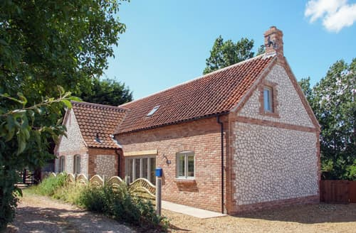 Last Minute Cottages - Inviting Brancaster Cottage S134993