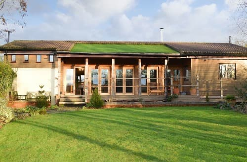 Last Minute Cottages - Splendid Brown Heath Lodge S135056