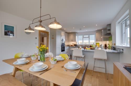 Last Minute Cottages - Luxury St Merryn Cottage S135068