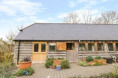 Last Minute Cottages - Lovely Ettington Cottage S135126