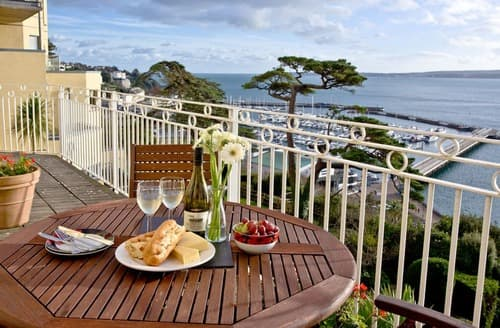 Last Minute Cottages - Quaint Torquay Apartment S135171
